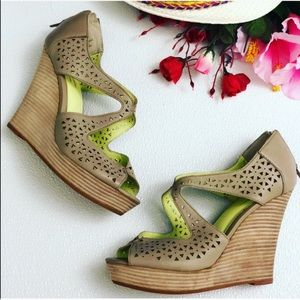 Anthropologie Shoes - Anthropologie Seychelles Wedge Leather Platforms